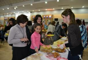 Бежанците в България посрещнаха персийската и кюрдската Нова година в БЧК